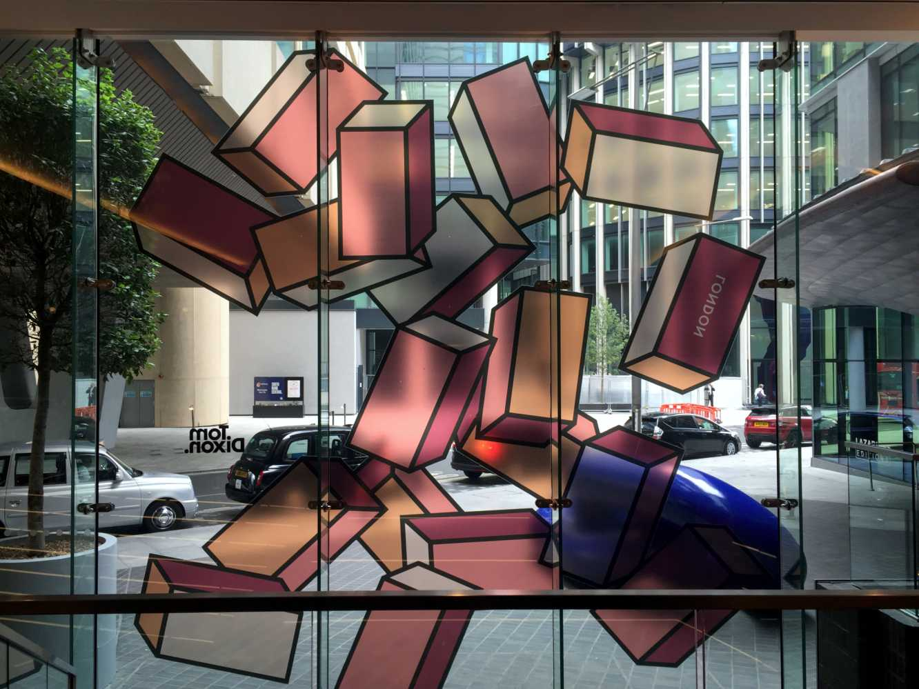 Tom_Dixon_London_01_Mondrian